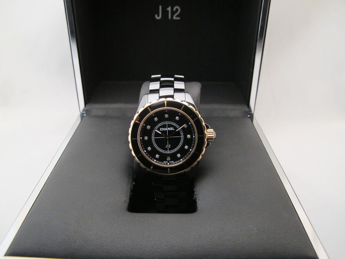 "CHANEL ""J12"" 38MM Or Rose / Céramique -"